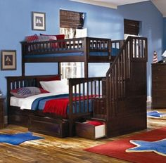 Love the stairs to the top bunk
