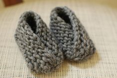 Knit baby booties. Easy and comfy.