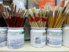 Firenze art shop brushes (photo lindacolsh)