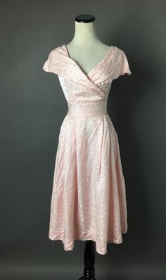 Vintage dress / dress / fit and flare dress / floral dress / brocade dress / cocktail dress / prom dress / party dress / 3744 Vintage cotton candy pink floral brocade fit and are dress with huge asymmetric collar. 1950s Party Dresses, Vintage Dresses 50s, 50s Dresses, Prom Party Dresses, Goth Dress, Brocade Dresses, Shirtwaist Dress, Pink Cotton Candy, Cocktail Dress Prom