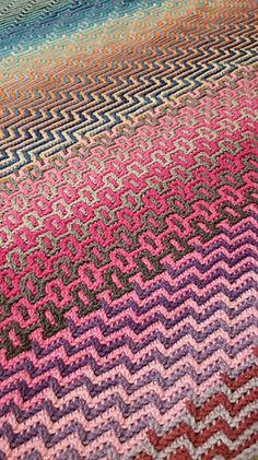 Ravelry: Havana Afghan CAL pattern by Tinna Thórudóttir Thorvaldsdóttir Crochet Afghans, Crochet Squares Afghan, Ravelry Crochet, Tapestry Crochet, Crochet Stitches, Ripple Afghan, Baby Afghans, Afghan Blanket, Crochet Blankets