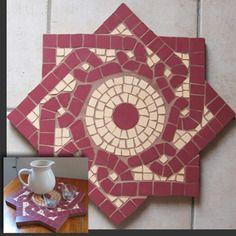 Plateau en mosaïque à motif celte