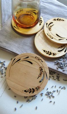 Flowers are the best way to accessorize a space. Now you can do so with these lovely, whimsical lavender coasters, adding a rustic feel to your wooden coasters Items similar to Wood Coasters - Set of 2 - Engraved Wood Coasters - Lavender on Etsy Wood Burning Tips, Wood Burning Techniques, Wood Burning Crafts, Wood Burning Patterns, Wood Burn Designs, Gravure Laser, Wooden Coasters, Cute Coasters, Marble Coasters