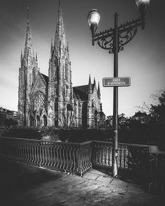 Une belle photo de ©GiacomoBernardi pour bien démarrer cette première semaine de 2016 ! #Strasbourg #Alsace #Strasgram #Hoplagram #Instalsace #BlackAndWhite #NoirEtBlanc