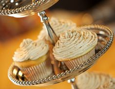 Nutmeg Cupcakes with lemon cream cheese frosting Mother Earth news!