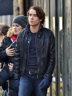 Jamie Blackley Pictures - Scenes from the 'If I Stay' Set - Zimbio