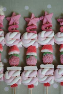 Candy Kabobs, Bar A Bonbon, Candy Crafts, Marshmallow Pops, Candy Bouquet, Ideas Para Fiestas, Candy Table, Candy Party, Candy Store