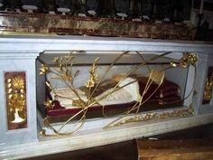 Top 10 Incorrupt Corpses -  id love to see them  more for the history then the faith. To see the face of someone from 1212.. Amazing
