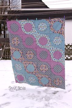 Micro Mod quilt top finished by ShapeMoth. Variation - one row doing horizontal across quilt. Nancy Zieman, Quilting Projects, Quilting Designs, Quilting Tips, Drunkards Path Quilt, Blog Art, Purple Quilts, Contemporary Quilts, Baby Quilts
