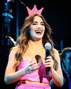 Reina!!! Angel Show, Celebs, Celebrities, Pretty, Instagram Posts, Women, Style, Friends, Singers