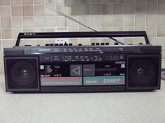 SONY Portable Stereo Radio Twin Cassette player/recorder CFS-W30L