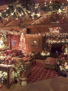 Looking for inspiration and a great mood with Christmas aesthetic ideas? Save my collection of these Christmas lights aesthetic, wallpaper and sweater ideas. Christmas Scenes, Noel Christmas, Country Christmas, Cabin Christmas Decor, Christmas Lights Room, Christmas Bedroom Decorations, Christmas Lights Outside, Christmas Things To Do, Beautiful Christmas Decorations
