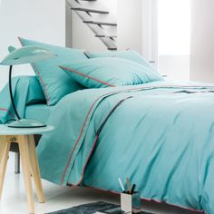 A sophisticated design made in super soft percale - you'll be guaranteed to sleep soundly (and stylishly).Elegant and simple with pretty taped edging, the Duo cover is made from a very high thread count 100% combed cotton, for a really soft feel.Hard-wearing and of the highest quality, this duvet cover will stand the test of time, even being washed at 60°C.Features:Contrasting taped edging100% combed cotton70 threads/cm²BEST Quality2 year guaranteeEnvelope-style openingWashable at 60...