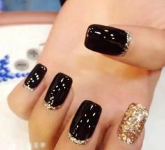 Square Nail Art Designs The beautiful nails are a beautiful fashionable detail that gives to your appearance a special. Classy Nails, Stylish Nails, Cute Nails, Pretty Nails, Black Acrylic Nails, Gold Glitter Nails, Sparkle Nails, Black Gold Nails, Classy Nail Designs