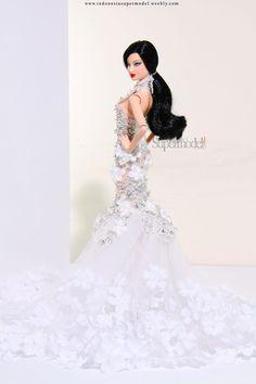 Lea basic black barbie doll