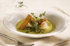 Aspargessuppe med smilende egg Ramen, Ethnic Recipes, Food, Essen, Meals, Yemek, Eten