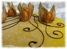 Höyhenen kevyt sitruunajuustokakku- resepti pääsiäseks
