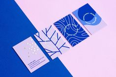 Manon's Personal Identity showcases the business card and augmented reality designs by the Montreal-based graphic designer, Manon Louart. The branding makes use of a blue/purple-toned colour… Corporate Design, Brand Identity Design, Branding Design, Stationery Design, Brochure Design, Personal Identity, Marca Personal, Self Branding, Identity Branding