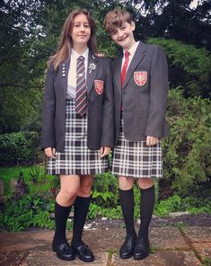 School Uniform Outfits, Cute School Uniforms, Boys Uniforms, Guys In Skirts, Boys Wearing Skirts, Young Girl Fashion, Boy Fashion, Transgender Boys, Petticoated Boys