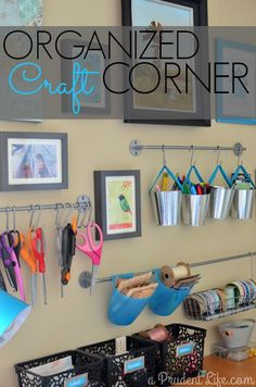 Room / Guest Room Combo Room Reveal Part Organized craft room gallery wall. Could you use this inspiration for your sewing room revamp? Could you use this inspiration for your sewing room revamp? New Crafts, Home Crafts, Sewing Crafts, Easy Crafts, Sewing Room Organization, Craft Room Storage, Organizing Ideas, Craft Desk, Room Deco