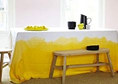 Dip-dyed drop cloth tablecloths, with DIY instructions Image Deco, Living Etc, Van Living, Home And Deco, Mellow Yellow, Color Yellow, Pink Yellow, Pale Pink, Diy Table