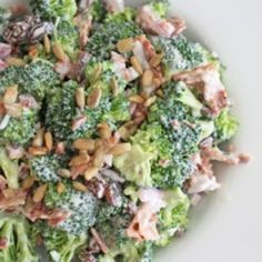 Best Salat - Broccoli Salad- This was SOO good. Even the toddler liked it - Best Salat I Love Food, Good Food, Yummy Food, Tasty, Crazy Food, Great Recipes, Favorite Recipes, Amazing Recipes, Easy Recipes