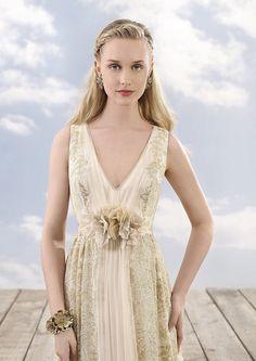 https://flic.kr/p/C5KWic   Trouwjurken   Trouwjurken vintage, Moderne Trouwjurken, Korte trouwjurken, Avondjurken, Wedding Dress, Wedding Dresses   www.popo-shoes.nl