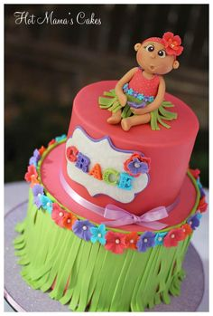 Hula baby was sculpted using wilton brand fondant, I like using it because it dries quickly without the use of tylose. The colors were made to match the party decor and invitations. The name was made using the Martha Stewart alphabet mold. Hula Girl Cakes, Kid Cakes, Fondant Cakes, Cupcake Cakes, Hawaii Cake, Luau Cakes, Beautiful Cakes, Amazing Cakes, Fancy Cakes