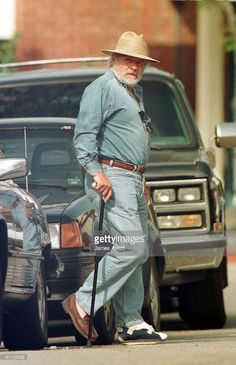 Walking With A Cane, Sir Anthony Hopkins, Older Men, Actor Model, Best Actor, Famous Faces, Hollywood Stars, Santa Monica, Dear Friend