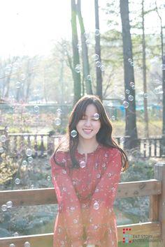E&tstory update kim so hyun photo 😘😘📷 ~pretty~❤❤👍 Asian Actors, Korean Actresses, Korean Actors, Actors & Actresses, Korean Celebrities, Celebs, Kim Son, Kim So Hyun Fashion, K Drama