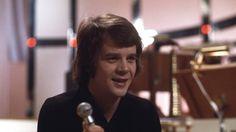 """Lars Berghagen med """"Ding dong"""" i Melodifestivalen 1973."""