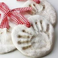 Salt dough handprint ornaments kids crafts and games kids ch Kids Crafts, Christmas Crafts For Kids, Christmas Activities, Homemade Christmas, Christmas Fun, Holiday Crafts, Holiday Fun, Christmas Ornaments, Christmas Presents