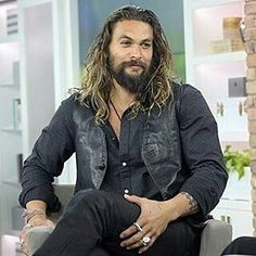 Here's to a great Friday and the start of a good weekend! @Regrann_App from @jason_the_best_momoa - #JasonMomoa on #TheMarilynDeniseShow, November 4, 2016, aired on November 18, 2016 #DeclanHarp #FrontierGypsies #repost Marilyn Denise on Twitter