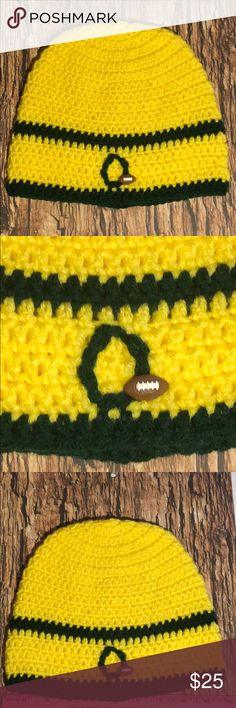 I just added this listing on Poshmark: Orange duck beanie hat size adult 18 to 20 inches. hot off the hook Rose Bowl, Oregon Ducks, Alabama Crimson Tide, Alabama Football, American Football, Hat Sizes, Green Stripes, Beanie Hats, Hand Crochet
