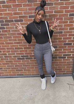 Discover recipes, home ideas, style inspiration and other ideas to try. Baddie Outfits For School, Swag Outfits For Girls, Boujee Outfits, Teenage Girl Outfits, Chill Outfits, Cute Casual Outfits, Teen Fashion Outfits, Girly Outfits, Dope Outfits