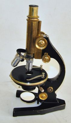 altes Otto Seibert Wetzlar Messing Mikroskop + Zubehör mit Holzkasten