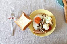 nameless table Eggs, Breakfast, Table, Food, Egg, Mesas, Hoods, Meals, Desk
