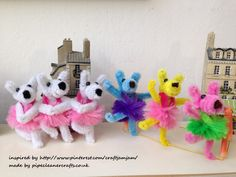 pipe cleaner dancing dogs - inspired by http://www.pinterest.com/craftjamjam/ and made by pipecleanercrafts.co.uk