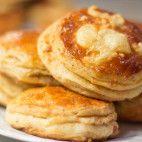 Oškvarkové pagáčiky • recept • bonvivani.sk Ale, Pancakes, Food And Drink, Breakfast, Basket, Breakfast Cafe, Pancake, Ales, Crepes