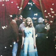 🍿Guess the movie...🍿  Palomitas en el aire ♥, están bordadas con punto nudo aunque la foto no le hace justicia y no se nota demasiado, pero haré más!  Qué os parece?Algún fan de la peli en la sala?😊  Mañana más!🎉  -------------------------------------  Pop corn in the air ♥, they are embroidered with knot stitch, what do you think?Any movie fan on @instagram?  .  .  #embroidery #handembroidery #needlework #contemporaryembroidery
