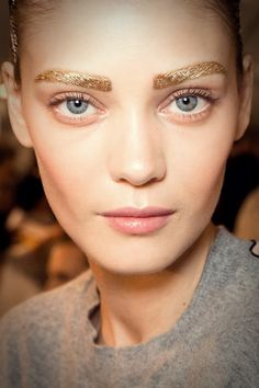 Hair and makeup, beauty trends, hair trends, makeup trends, spring 2014 tre Makeup Trends, Beauty Trends, Makeup Ideas, Eyebrow Trends, Hair Trends, Makeup Tips, Makeup Tutorials, Runway Makeup, Eye Makeup