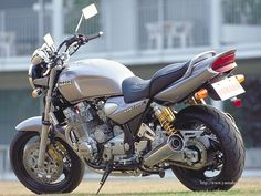 XJR Art 45 Yamaha Xjr, Yamaha Motorcycles, Cars And Motorcycles, Xjr 1300, Moto Bike, Super Bikes, Bliss, Racing, Vehicles