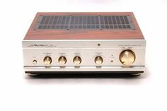 "Luxman  ""CL38"", pre amplifier. Line inputs :6x 170mV / 40kOhm Tape monitor :1x 170mV / 40kOhm Preamp output :1V / 10V maximum THD :< 0,12% (1V output, 1Khz) Frequency response :20Hz...100Khz (± 1dB) S/N ratio :> 98dB (IHF-A) PC :47W Dimensions :43,8 x 15,5 x 42,8cm Weight :18kg."