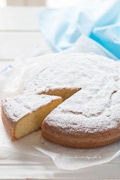 Torta paradiso senza burro (soffice e light) - Tavolartegusto Loaf Cake, Pound Cake, A Food, Food And Drink, Vanilla Recipes, Funfetti Cake, Cooking Light, Chocolate, Beautiful Cakes
