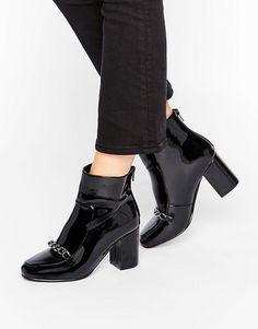 2cdfe52fd66 RAMMA Chain Ankle Boots