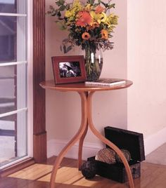 Bentwood accent table Woodworking Plan from WOOD Magazine