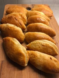 Breakfast Snacks, Biscotti, Cake Recipes, Bread, Savoury Pies, Cooking, Food, Cakes, Greek Recipes