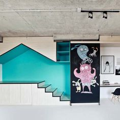 Input Creative Studio has created a New York studio for a children's portrait photographer with a turquoise playhouse hollowed out of one wall. Arch Interior, Interior Architecture, Journal Du Design, Turbulence Deco, New York Studio, Deco Originale, Commercial Interiors, Kid Spaces, Creative Studio