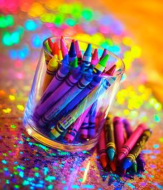 World Back Up Day-a reminder to protect your data so back it up. Then celebrate Crayola Crayon Day & go color. Relax & feel like a kid again. Taste The Rainbow, Over The Rainbow, World Of Color, Color Of Life, Image Crayon, Crayon Art, Color Splash, Color Pop, All The Colors