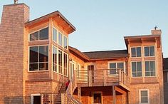 Arch Cape, Oregon home by Elstom Construction
